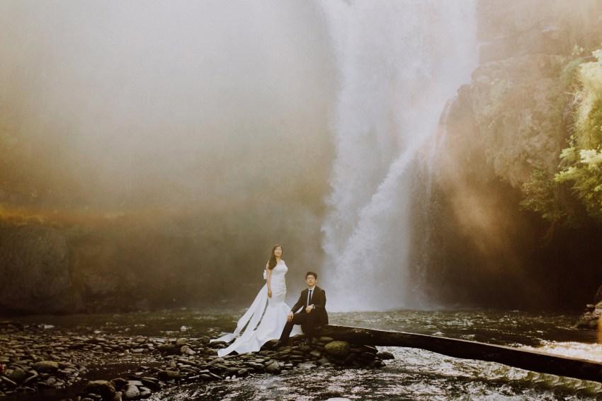 preweddinginbali-pandeheryana-baliweddingphotographers-engagementphotography_11