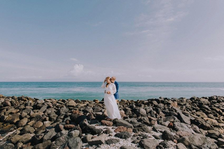 baliweddingphotographers-weddinginkarangasembukitasah-engagementphotography-elopmentweddinginbali-pandeheryana-lombokweddingphotographers-lembonganwedding-apelphotography-17