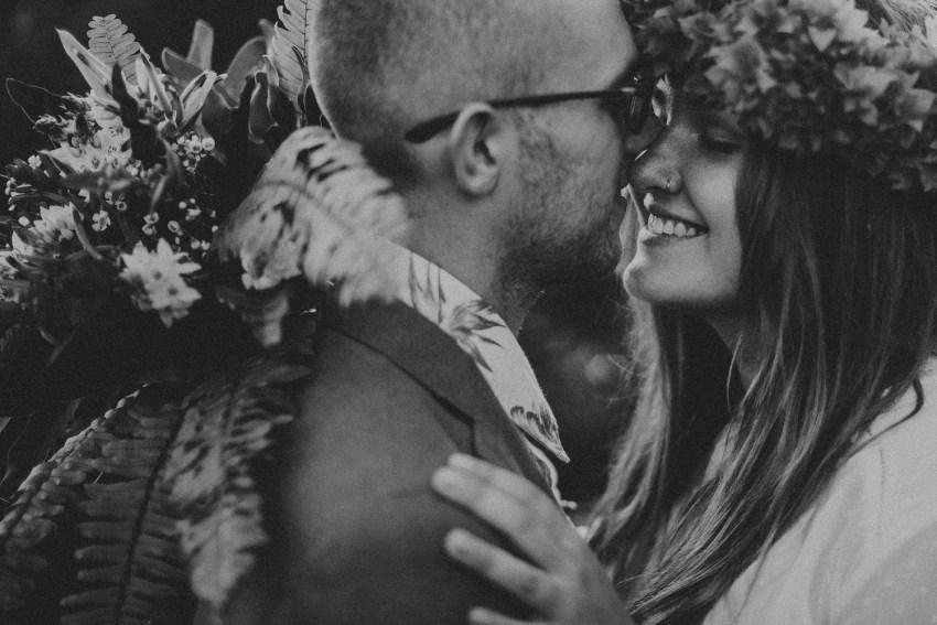 baliweddingphotographers-weddinginkarangasembukitasah-engagementphotography-elopmentweddinginbali-pandeheryana-lombokweddingphotographers-lembonganwedding-apelphotography-34