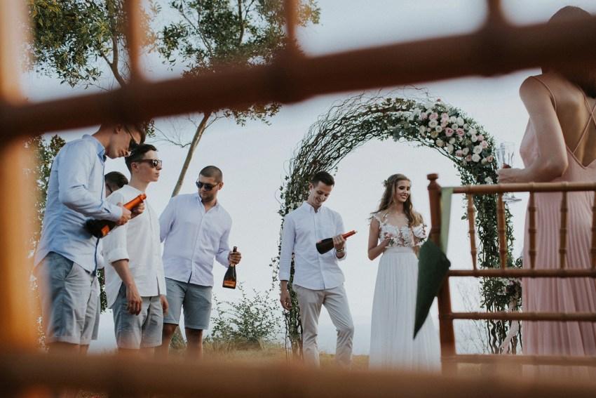 bukitasahwedding-candidasawedding-baliweddingphotography-baliphotographers-bestweddingphotographersinbalilombok-lombokweddingphotography-apelphotography-53_