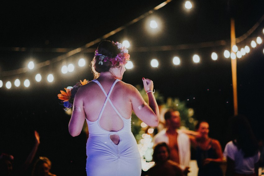 apelphotography-baliweddingphotography-lombokwedding-lembonganwedding-uouwatusurfvillawedding-bestweddingphotographersinbali_121