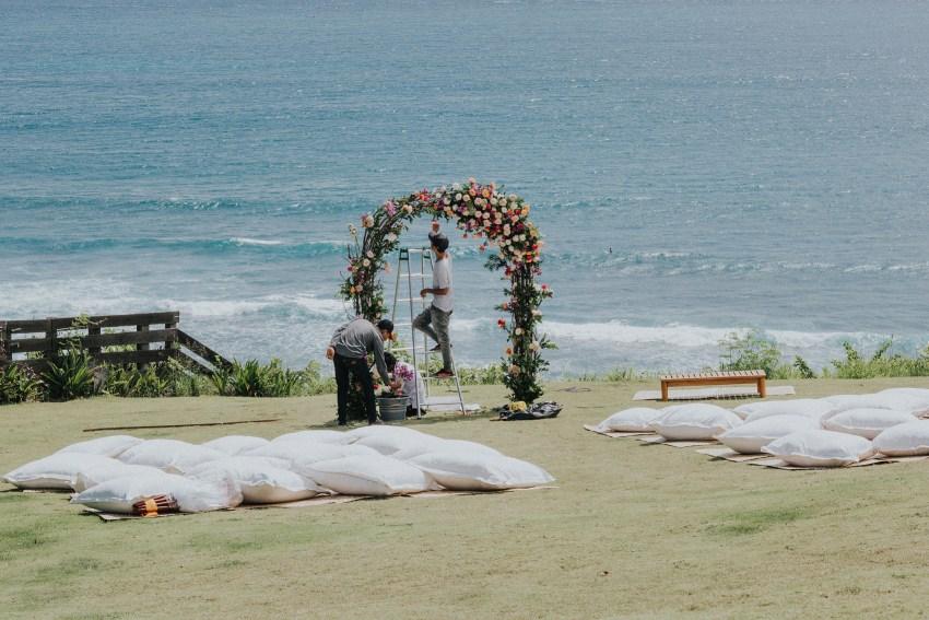apelphotography-baliweddingphotography-lombokwedding-lembonganwedding-uouwatusurfvillawedding-bestweddingphotographersinbali_33