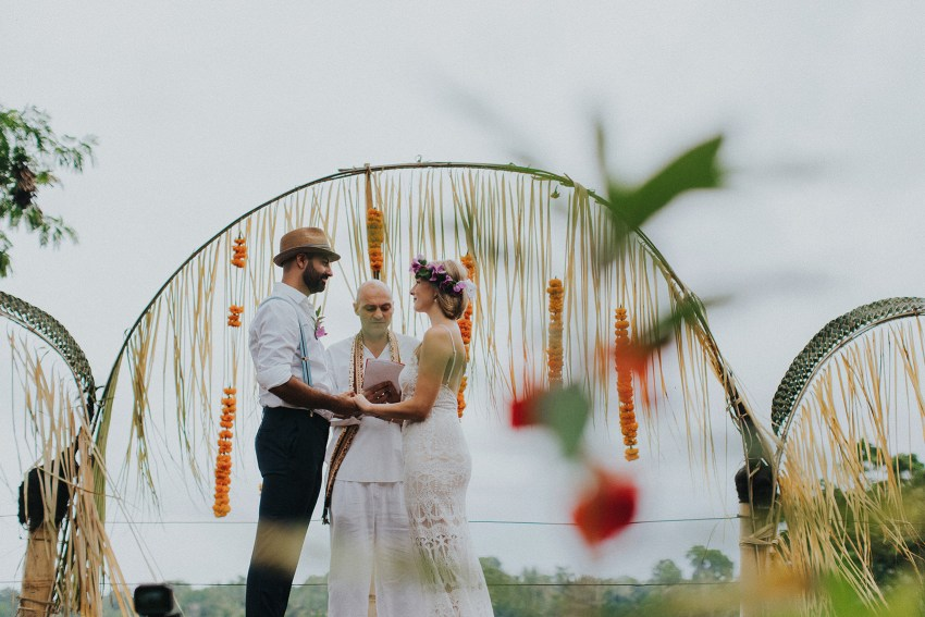 pande-bambuindahresortubudwedding-baliweddingphotographers-apelphotography-45