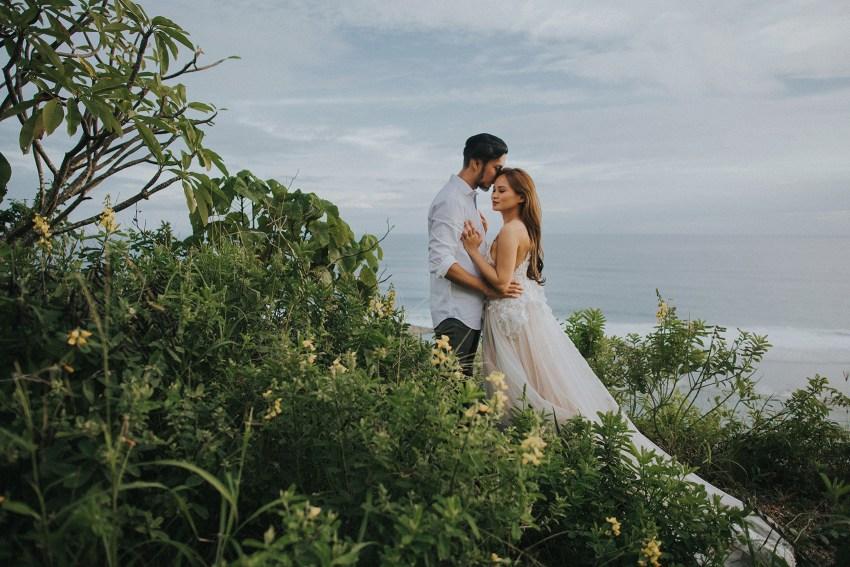 balipreweddingphotographers-pandeheryana-engagementphotography-baliweddingphotographers-melastibeachuluwatu-0