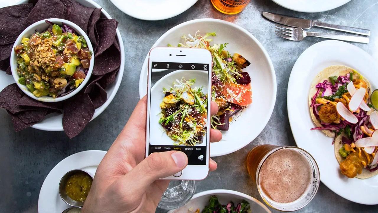 https://i1.wp.com/www.apetitoenlinea.com/wp-content/uploads/2017/04/Hero-Chefs-and-restaurant-design-instagram-social-media-seamores-by-chloe-kenfulk-2.jpg?resize=1280%2C720&ssl=1
