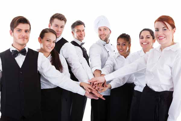 https://i1.wp.com/www.apetitoenlinea.com/wp-content/uploads/2017/04/Teamwork-in-a-Restaurant.jpg?resize=600%2C400&ssl=1
