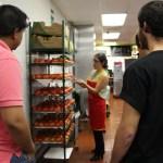 McDonald's abre las puertas de su cocina