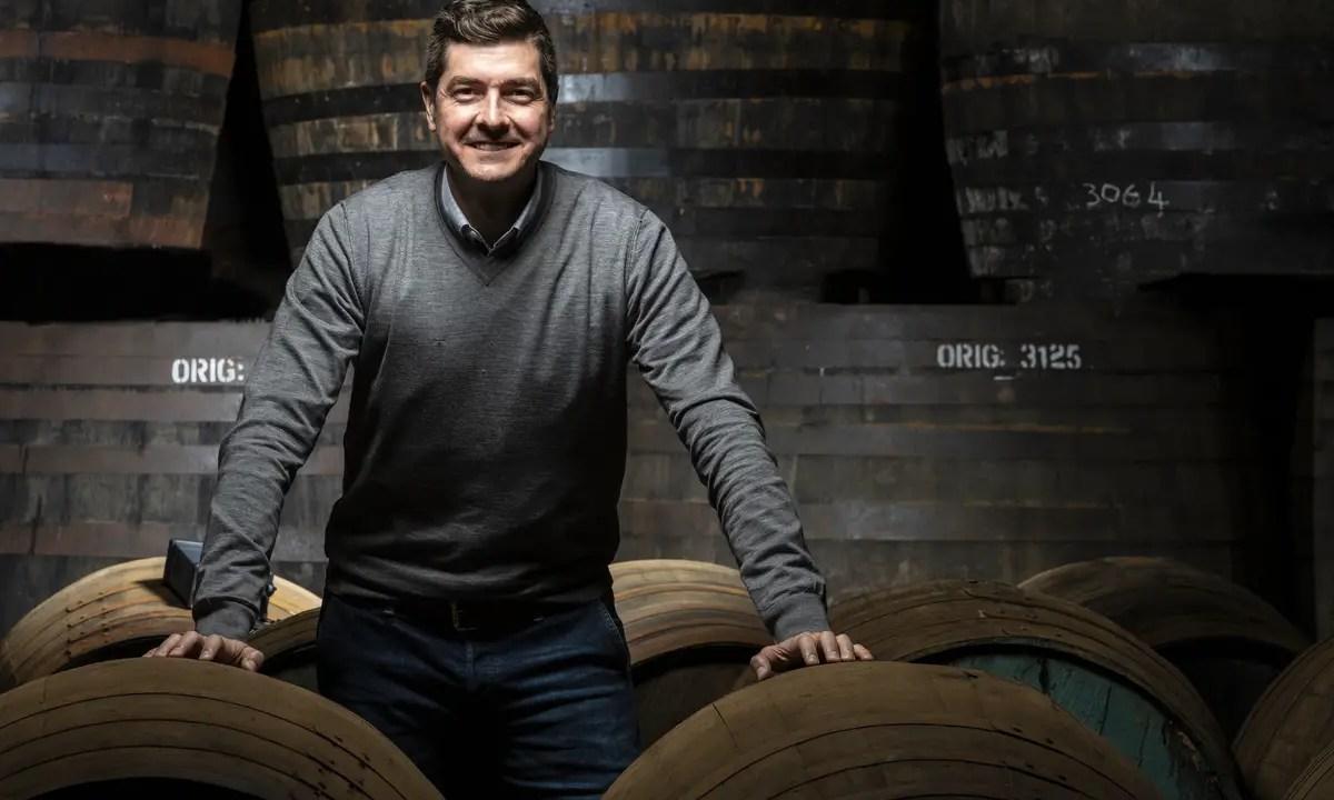 El whisky puede combinarse más que con hielo y agua