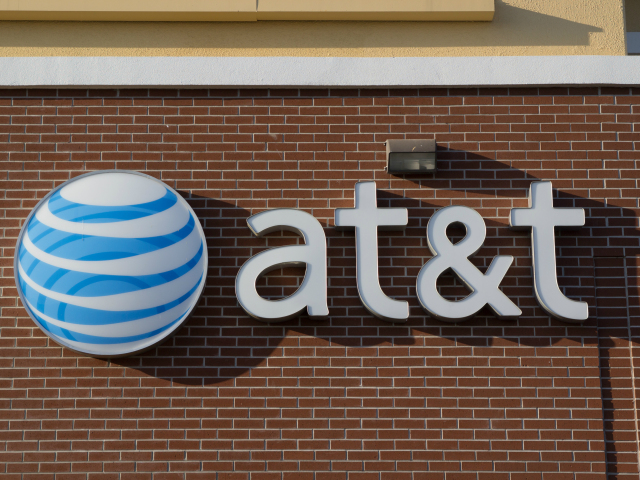 FCC Could Fine AT&T Over Data Slowdowns for Users