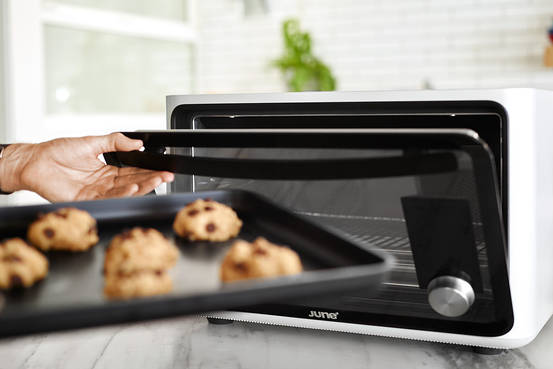 Smart Oven Cooks Your Meals All On Its Own