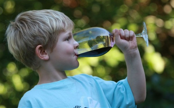 """""""children should be warned about drinking by 9 years old"""""""