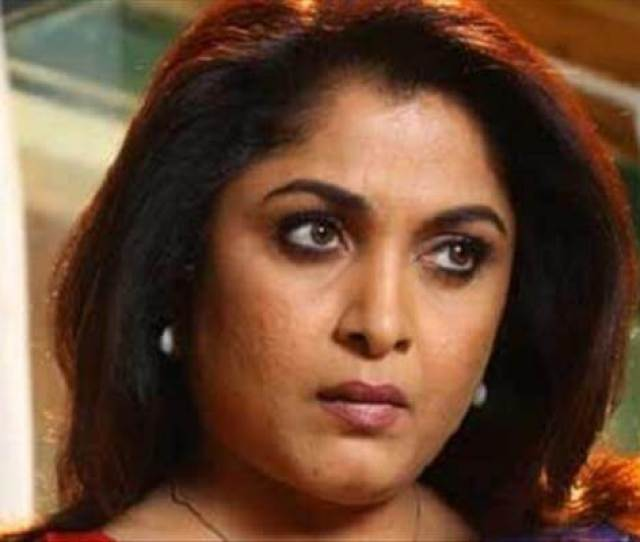 Hot Middle Aged Actress Shocks With A Intimate Scene In A Malayalam