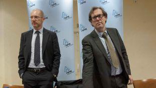 Francisco Vázquez y Ransés Pérez Boga, Secretario y Presidente del IHE, durante el acto de presentación del informe organizado con la APIE.
