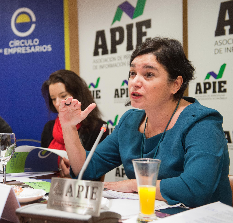 Yolanda Fernández, Directora Técnica, en un momento de la presentación del Informe Top 50 de la Mediana Empresa.