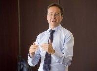Un momento de la intervención de Ignacio Conde-Ruiz, subdirector de FEDEA, en la Tercera Jornada del Curso de Economía de la APIE.