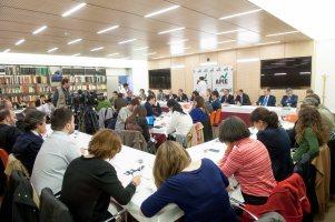 El almuerzo con Ana Pastor con que APIE cerró la cuarta jornada de su Curso de Economía registró un lleno total en la sede del Banco Popular.