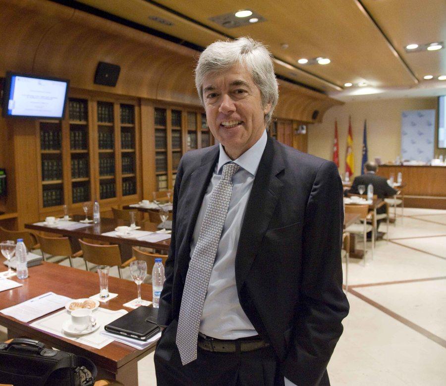 Juan Carlos Ureta, Presidente de la Federación de Estudios Financieros (FEF), en un momento del desayuno de prensa organizado por APIE.