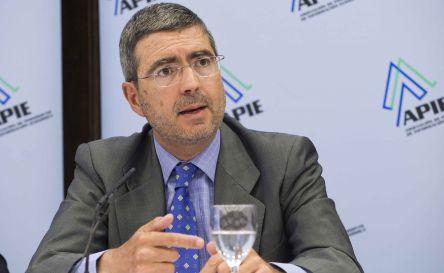 Fernando Jiménez Latorre, Secretario de Estado de Economía y Apoyo a la Empresa, durante el almuerzo de prensa con que concluyó la V Jornada del Curso de Economía organizado por APIE.