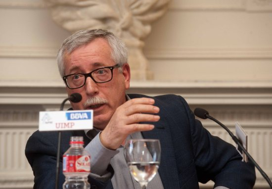 Ignacio Fernández Toxo, Secretario General de Comisiones Obreras, durante su intervención en el Curso de Verano de la APIE.