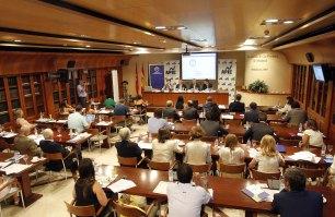 Vista general de la Asociación de la Prensa de Madrid durante la presentación del Informe Anual 2015 sobre la Empresa Mediana Española.