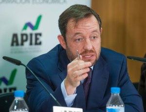 Francisco de la Torre, de Ciudadanos, en un momento del debate económico organizado por APIE.