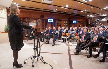 Otro momento de la intervención de la Ministra Ana Pastor tras recibir el accésit al premio Tintero 2015.