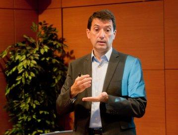 Rafael Doménech, Economista Jefe de Economías Desarrolladas de BBVA, en un momento de su intervención en el Curso de Economía para Periodistas organizado por APIE y el Banco Popular.