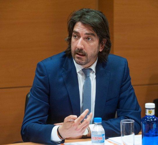 Sergio del Campo (Ciudadanos), en el debate sobre la reforma laboral durante la Segunda Jornada del Curso de Economía para Periodistas Organizado por APIE con la colaboración del Banco Popular.