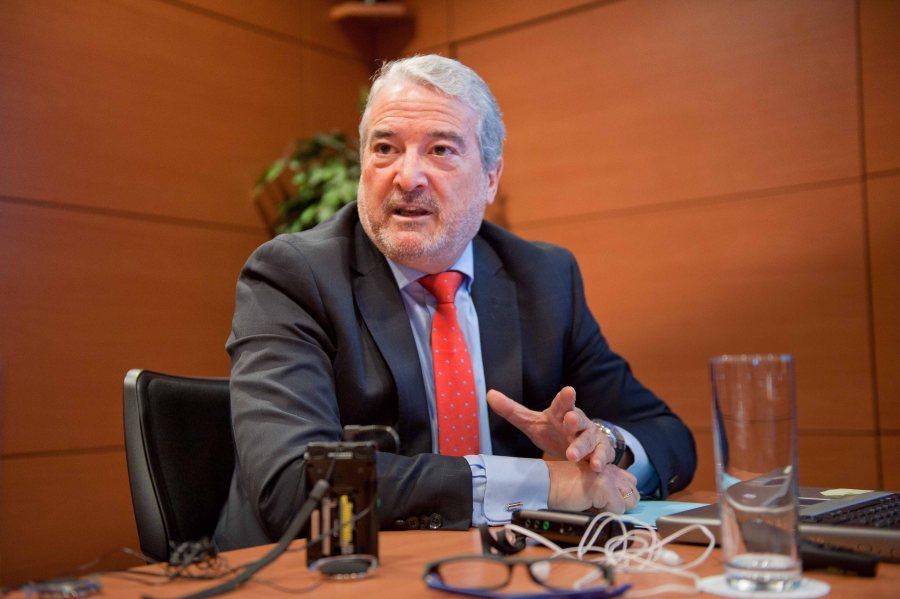 Tomás Herrera, director general de GANVAM, durante su intervención en la cuarta jornada del XXIX Curso de Economía para Periodistas organizado por APIE con la colaboración del Banco Popular.