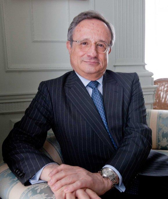 Rafael Villaseca, consejero delegado de Gas Natural Fenosa, a su llegada al Palacio de la Magdalena para participar en el curso de verano de APIE.