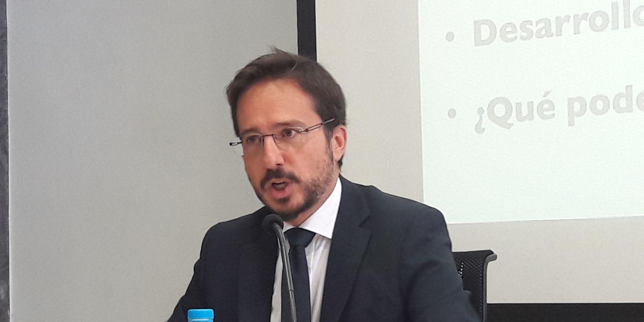 """Jose Ignacio Conde-Ruíz: """"Hasta que las mujeres no manden, la conciliación será imposible"""""""