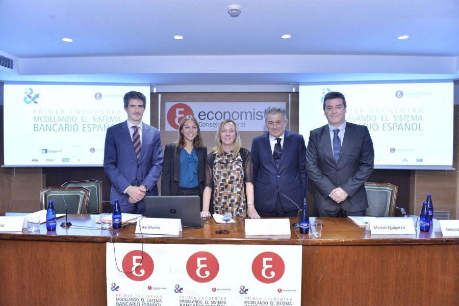 De izquierda a derecha, algunos de los participantes en el Encuentro: Mikel García, Estel Martín, Amparo Estrada (APIE), Valentín Pich y Marcos Eguiguren.