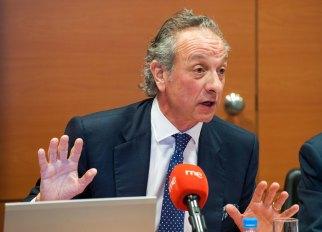 Diego Valero, presidente de Novaster, durante el debate sobre pensiones que tuvo lugar en la segunda jornada del Curso de Economía organizado por APIE.