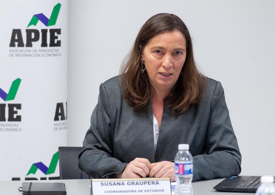 Susana Graupera, coordinadora de estudios, durante la rueda de prensa de presentación del XIII Informe de Juntas Generales de empresas del Ibex-35.
