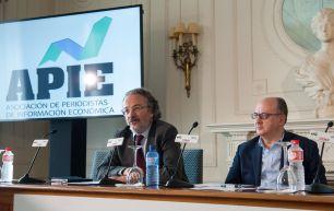 Jose María Roldán, Presidente de la Asociación Española de Banca (AEB), durante su intervención en el Curso de Economía organizado por APIE en la Universidad Menéndez Pelayo de Santander.