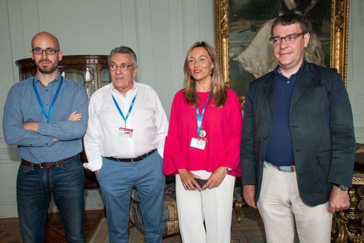 De izquierda a derecha, Nacho Álvarez (Podemos), Manu Escudero (PSOE), Susana Solís (Ciudadanos) y Álvaro Nadal (Partido Popular), los participantes en el debate político organizado en el Curso de Economía de APIE en la UIMP de Santander.