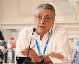 Manu Escudero, responsable de Economía del PSOE, durante su intervención en el debate político organizado en el Curso de Economía de APIE en la UIMP de Santander.