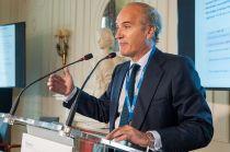 Julián Núñez, Presidente de SEOPAN, durante su intervención en el Curso de Economía organizado por la Asociación de Periodistas de Información Económica (APIE) en la UIMP.