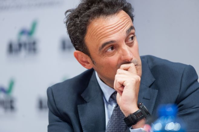 Adolfo Ramirez-Escudero, Presidente de CBRE España, que actuó como moderador en la mesa redonda dedicada al sector inmobiliario en el XXXI Curso de Economía organizado por APIE.