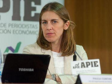 Paula Conthe, Jefa del Departamento de Policy del FROB, durante la jornada formativa sobre resolución bancaria organizada conjuntamente con APIE.