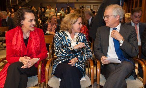 Magdalena Valerio, Nadia Calviño y Sebastiál Albella, tres de los premiados en la edición 2018 de los premios Tintero y Secante que concede la Asociación de Periodistas de Información Económica.