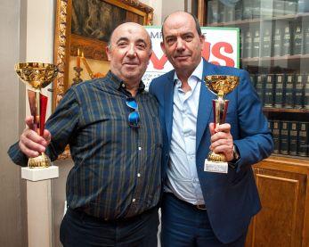 Jesús Merino y Juan Navarro, ganadores del segundo premio de la XXV edición del Torneo de Mus de la APIE.