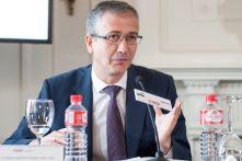 Pablo Hernández de Cos, gobernador del Banco de España, durante su intervención en la jornada de inauguración del Curso de Economía organizado por APIE en la UIMP de Santander.