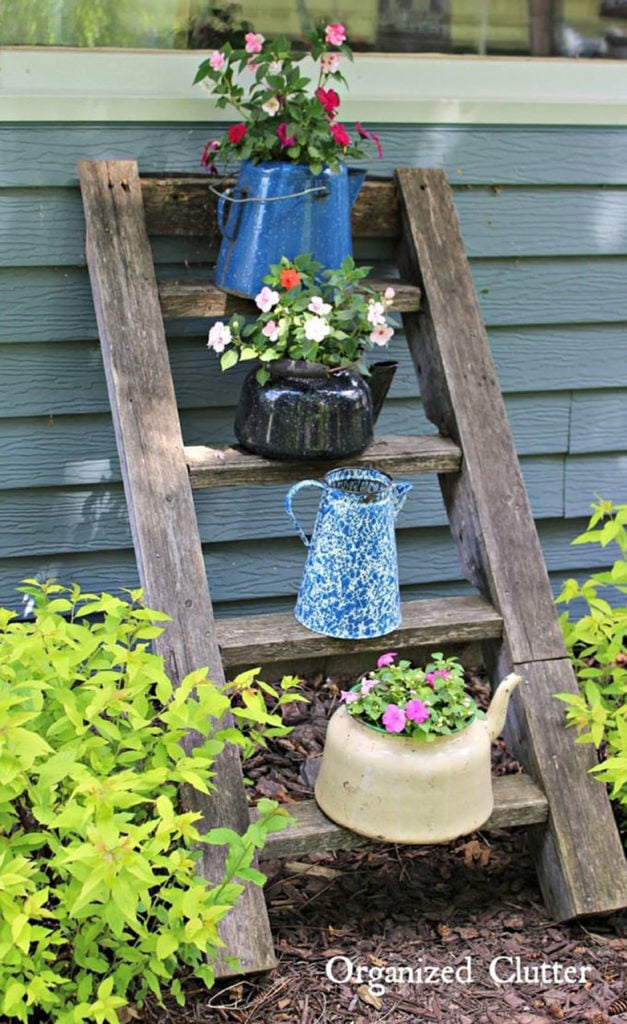 24 DIY Vintage Garden Decorations & Ideas - A Piece Of Rainbow on Diy Garden Decor  id=22637