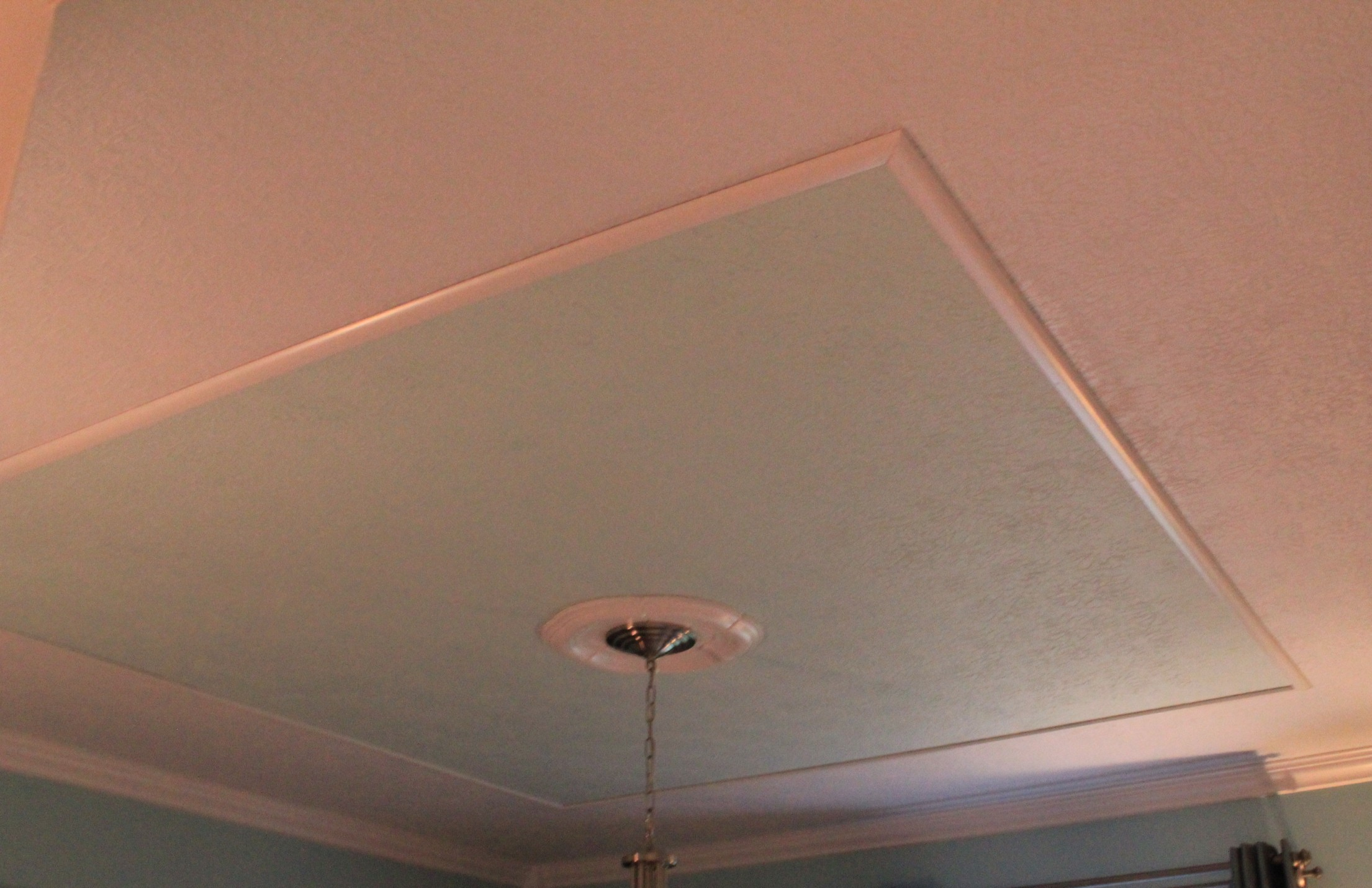 how to create a faux tray ceiling and