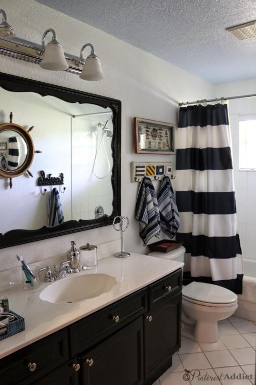 Kid's bathroom - nautical