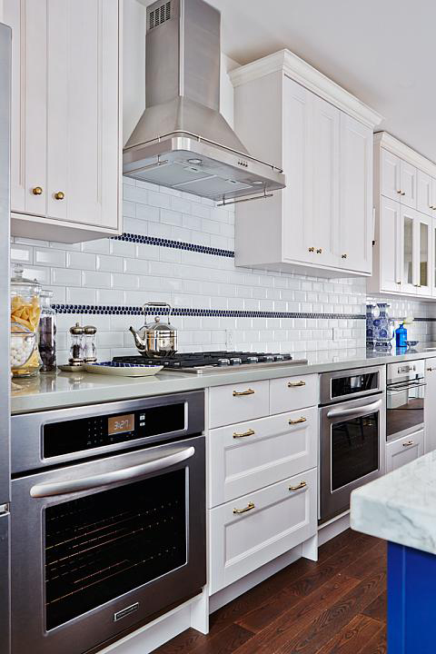 Sarah Richardson kitchen design with two below the counter ovens - Using Pinterest for the new house