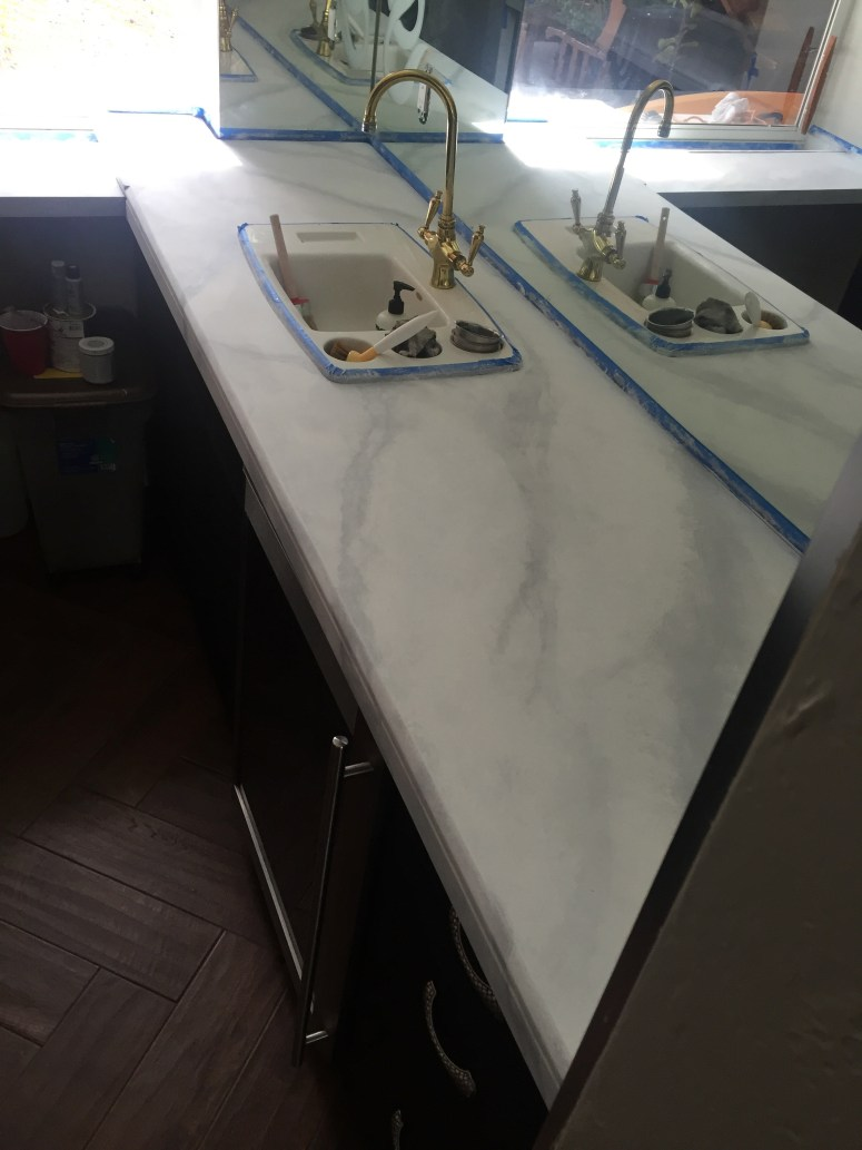 faux marble counters - veining details