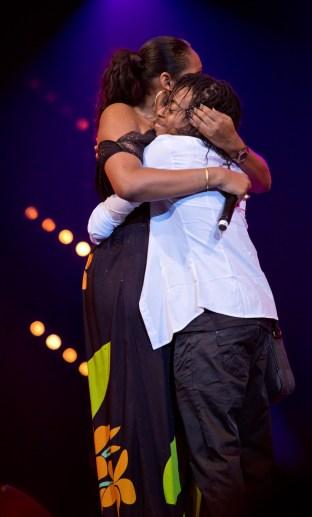 Princess Lover et Taylor Fixy terminant leur prestation