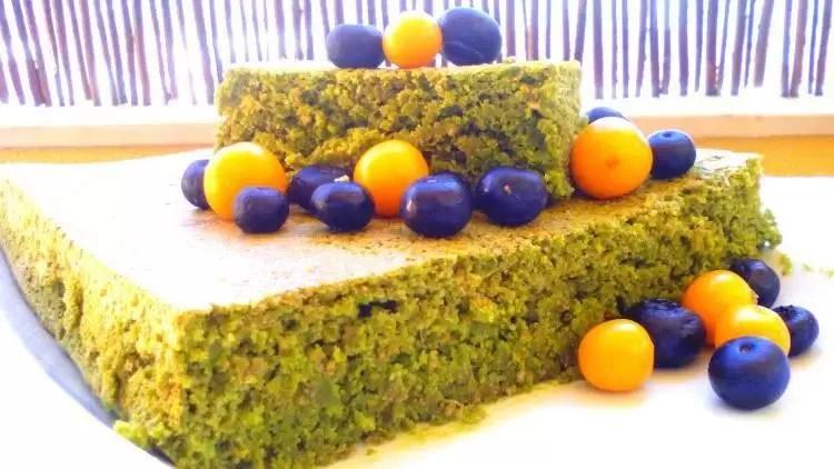 Bolo verde de agrião e espinafres